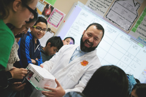 Reynaldo Guerra (BSME '03) Hosts STEAM Extravaganza at Rick Schneider Middle School