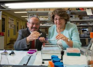 Muna Naash and Muayyad Al-Ubaidi: A marriage in the lab and in life