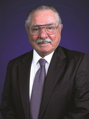 William A. Brookshire, Ph.D., P.E. (BSChE '57)† will be recognized as the Lifetime Achievement Award winner at the 2019 UH Cullen College of Engineering Alumni Awards Gala.