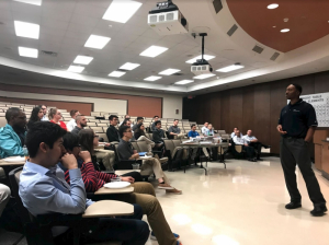 Joel Roberts, UH alumnus and lead recruiter for INEOS, speaks with Cullen College of Engineering students. Photo credit: Tau Beta Pi.