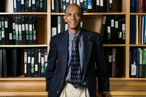 Hugh Roy and Lillie Cranz Cullen Endowed Professor of biomedical engineering Chandra Mohan, one of the nation's leading lupus researchers, is working on lupus diagnostics with a $3 million NIH grant