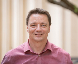 Dr. Lars C. Grabow, Dan Luss Professor of Chemical and Biomolecular Engineering at the Cullen College of Engineering, received a NSF grant to continue studies on small-scale reactors and catalysts.