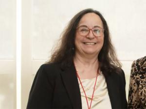 Dr. Yasemin Akay