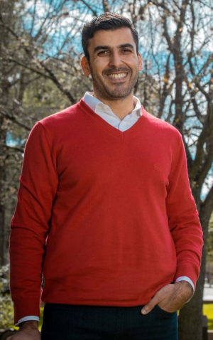 Dr. Hadi Ghasemi, an associate professor of Mechanical Engineering, has received a $150,000 grant from the U.S. Air Force Research Laboratory to continue developing anti-ice coatings for aircrafts.