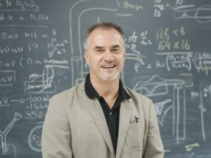Stanko R. Brankovic, Ph.D., a professor in the Electrical and Computer Engineering, and Chemical and Biomolecular Engineering departments of the University of Houston's Cullen College of Engineering, has been selected as a Fellow of the Class of 2021 for the Electrochemical Society (ECS).