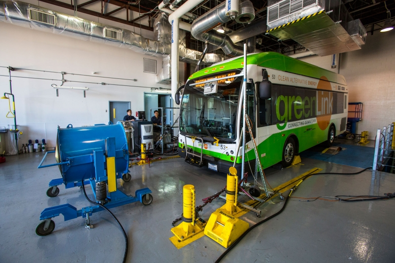 NSF, DOE Partner to Support UH Diesel Emissions Research